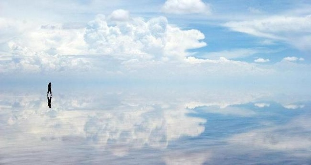 surreal-travel-spot-salar-de-uyuni