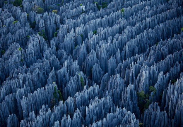 surreal-travel-spot-stone-forest-yunnan-china
