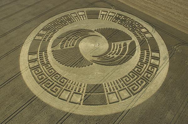 53-Silbury-Hill-Avebury-Wiltshire-Wheat-02-08-04-OH