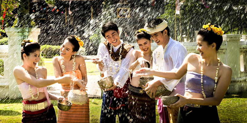 Inexpensive-Countries-to-Live-Thai-Songkran-Festival-