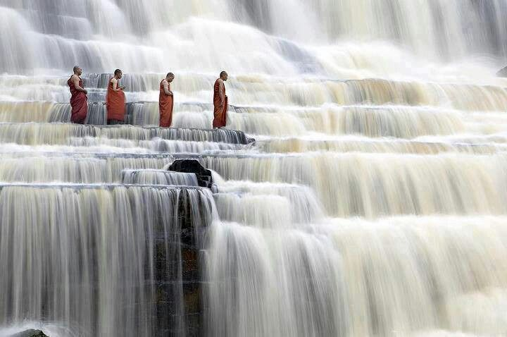 Inexpensive-Countries-to-Live-malayasia-waterfall-monks