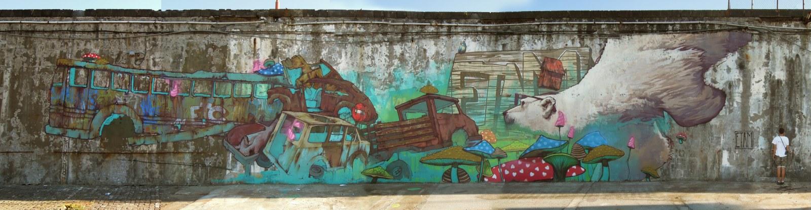 etam-cru-psychedelic-street-art-polarbear-jpg-1600-900