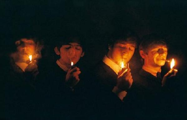The+Beatles+smoke