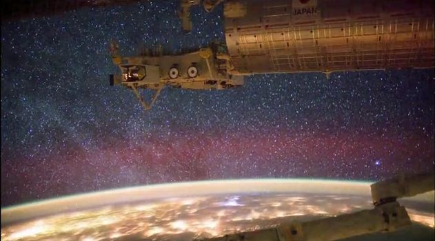 There is No Up, There is No Down - Amazing Views from the International Space Station (Video)   Third Monk image 2