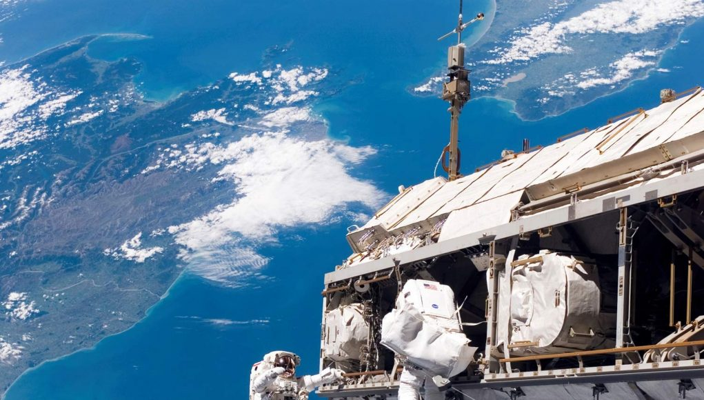 Space Tour: Inside The International Space Station (Video)   Third Monk image 4