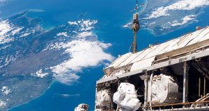 Space Tour: Inside The International Space Station (Video) | Third Monk image 4